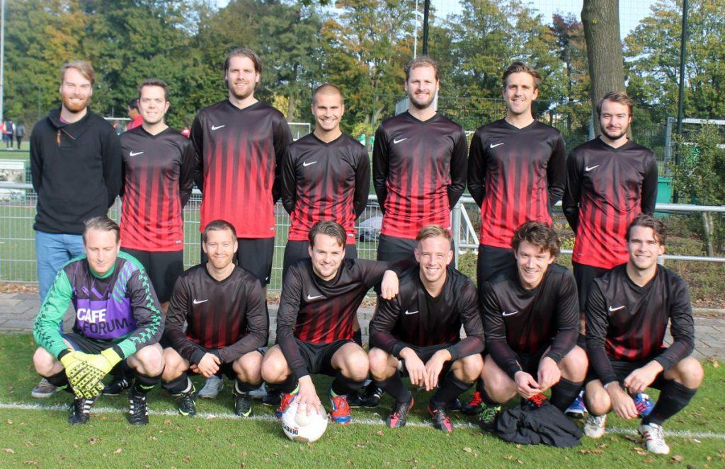 Teamfoto van Fortius 5 (zaterdag) - 2016 - Foto: Jo Haen © Alle rechten voorbehouden