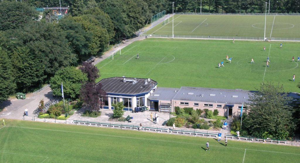 Het clubgebouw en velden van WV-HEDW - Foto: WV-HEDW © Alle rechten voorbehouden