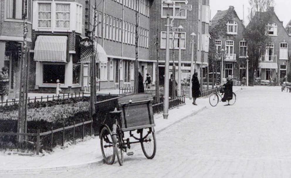 Copernicusstraat 73 - ± 1930. Foto: Beeldbank Amsterdam. In het midden van de foto, links van de 2 huizen. Foto: Beeldbank Amsterdam  Alle rechten voorbehouden