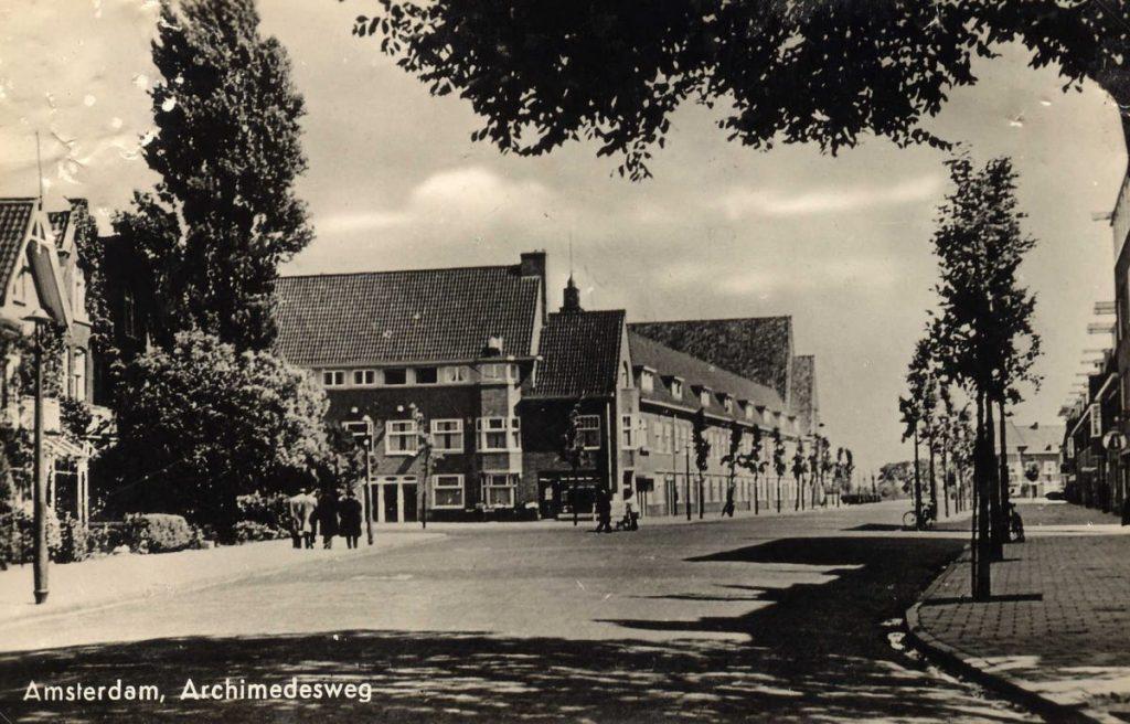 Archimedesweg 67 (op de hoek) - ± 1938. Foto: Dick Hoogenboom © Alle rechten voorbehouden