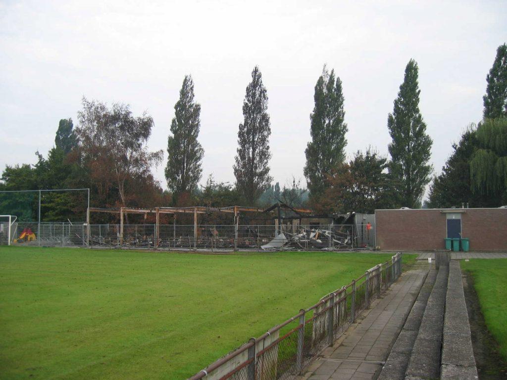 Afgebrande kantine - augustus 2006. Foto: Kees Zijp