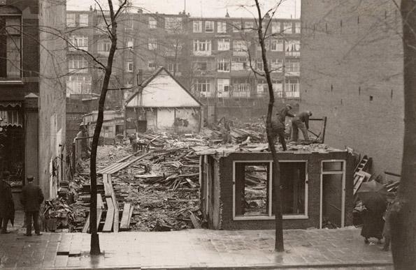 Middenweg 49-51 Rozenhofje - ± 1925 . Beeldbank Amsterdam Alle rechten voorbehouden