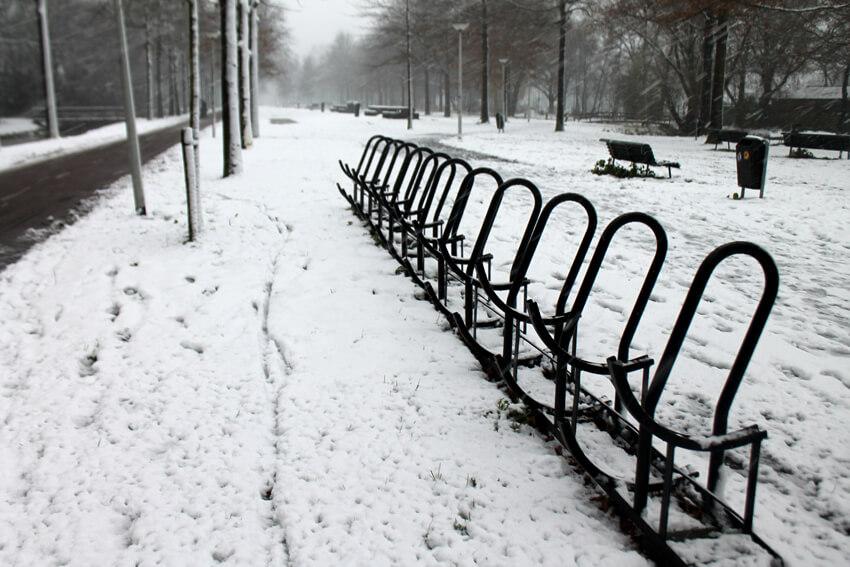 Fietsenrekken in de sneeuw Radioweg - Foto: Jo Haen - Alle rechten voorbehouden