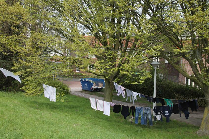 Wasdag in het Amsteldorp. Foto genomen vanaf de Weesperzijde.