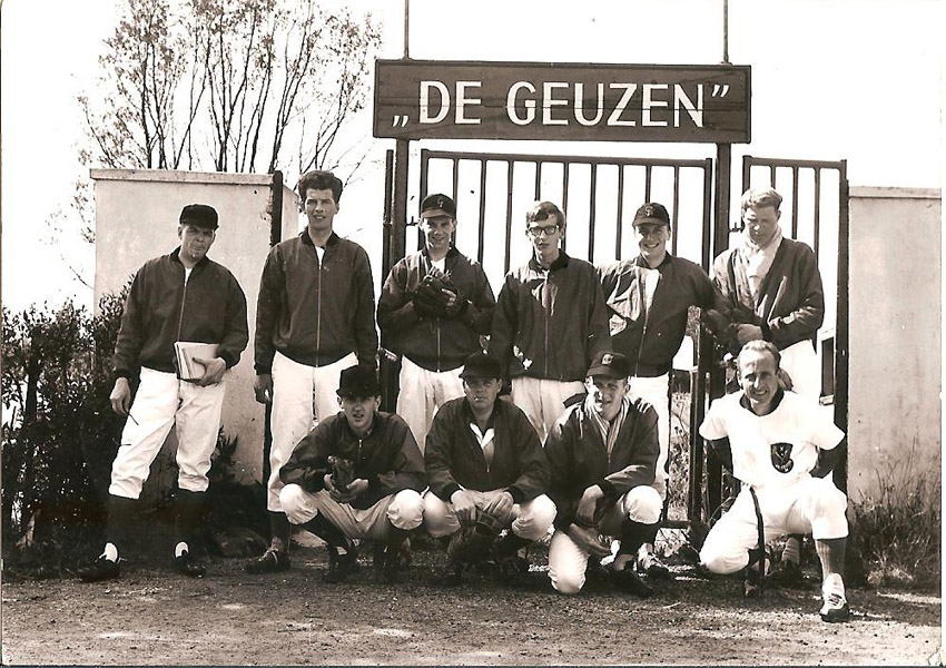 Het 1e kampioensteam honkbal in 1965 - Foto: Emile Simonis