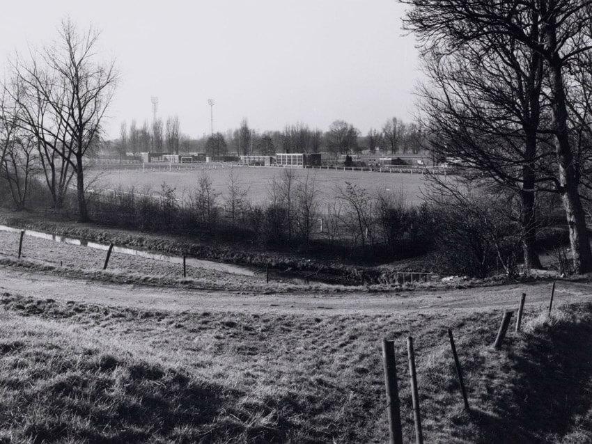 Het veld van Animo gezien vanaf de Ooster Ringdijk in 1973 - Alle rechten voorbehouden