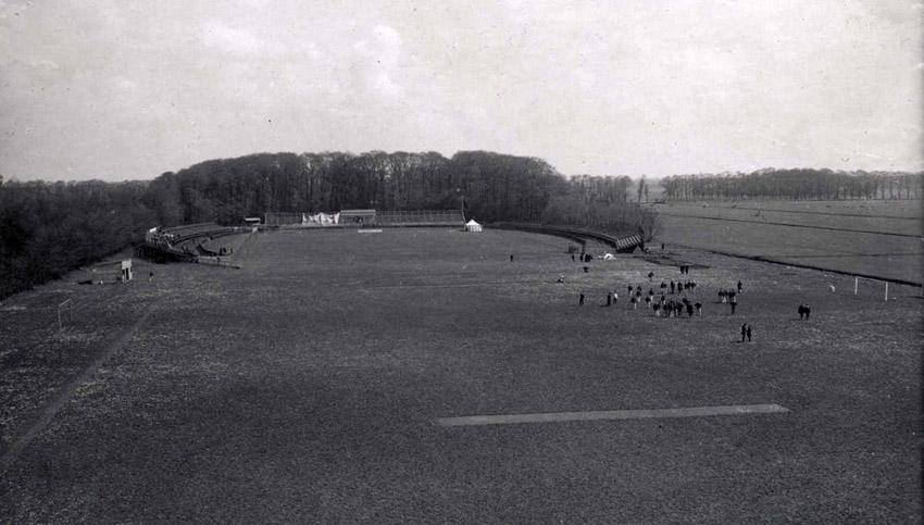Het veld op het terrein van Oud-Roosenburgh - Foto: Gahetna - Alle rechten voorbehouden