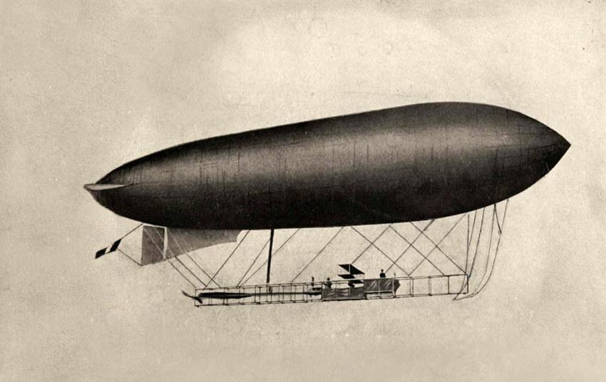 Voorbeeld van een motorballon. Het is de Duindigt, het eerste Nederlandse luchtschip ten dienste van het Nederlandse leger. Foto: Gahetna - Alle rechten voorbehouden