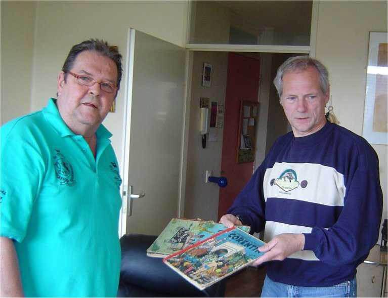 Op 25 mei 2013 krijgt Roel de Kemper ( links) zijn stripboeken terug Alle rechten voorbehouden