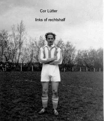 Cor Lütter Op het voetbalveld van TDO in 1950.  Alle rechten voorbehouden