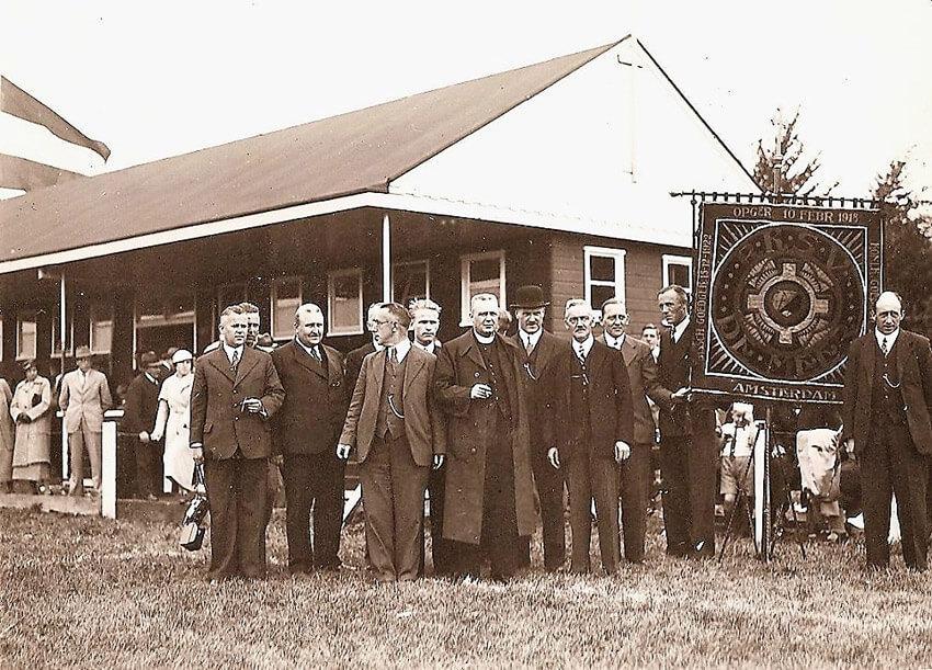Het clubgebouw in 1935 - Foto: s.v. De Meer - Alle rechten voorbehouden