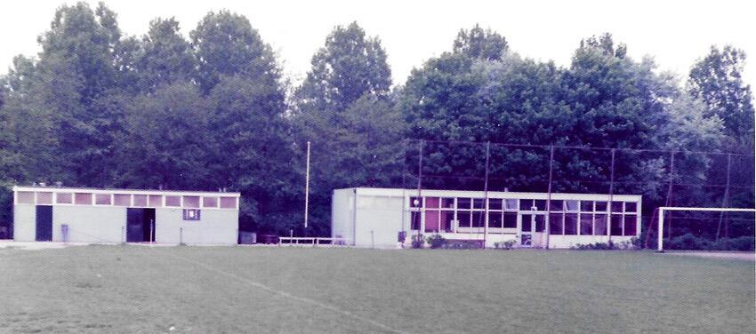 Clubgebouw in 1974 - De Blauwe Kantine - Foto: Archief s.v. De Meer - Alle rechten voorbehouden