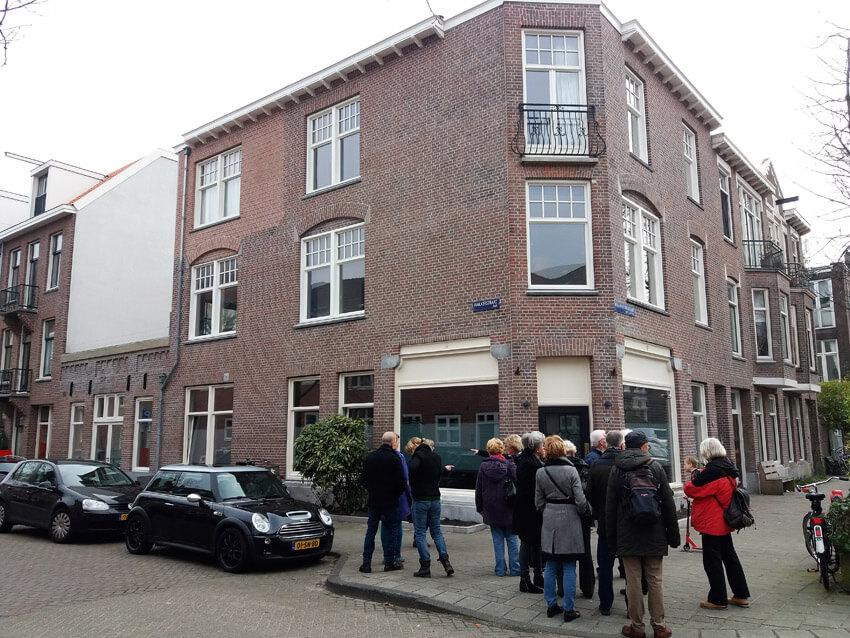 Willem Beukelszstraat 35 waar generatieslang de bakker van Jan van Deudekom was gevestigd. - Foto: Hans Hamer - Alle rechten voorbehouden