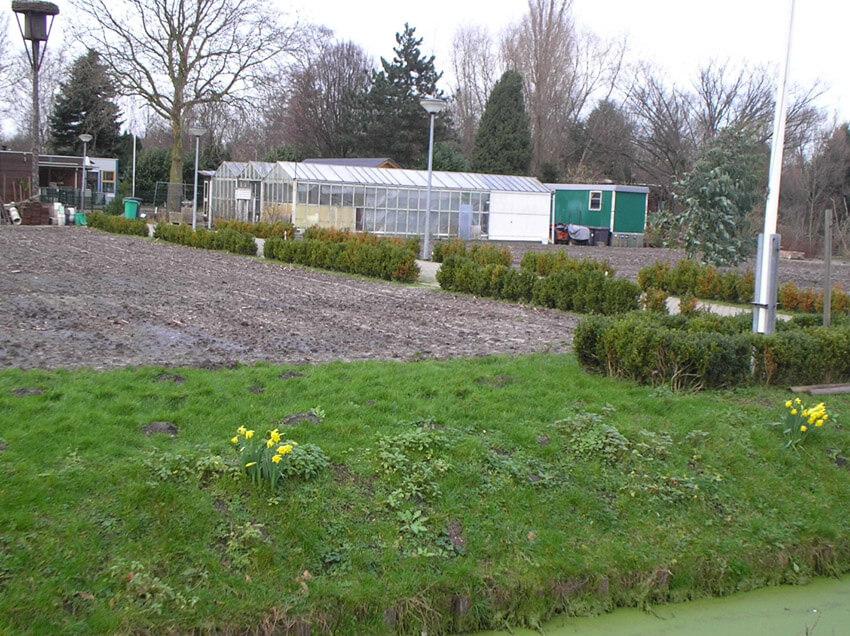 De nog bestaande schooltuinen Vink naast het volkstuinencomplex Klein Dantzig aan de Kamerlingh Onneslaan (anno 2007). Door: Alle rechten voorbehouden
