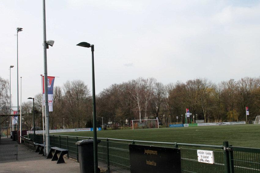 Het veld van J.O.S./Watergraafsmeer op Sportpark Drieburg - Foto: Jo Haen - Alle rechten voorbehouden