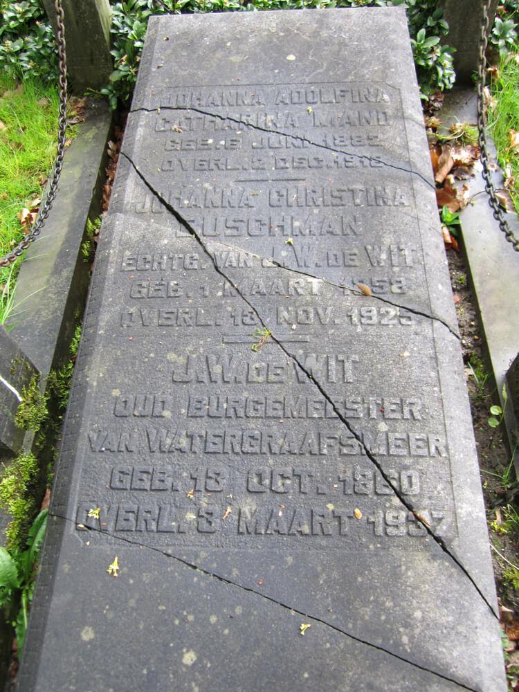Het graf van burgemeester de Wit op de Nieuwe Ooster. Overleden op 4 maart 1937 - Foto: Jo Haen - Alle rechten voorbehouden