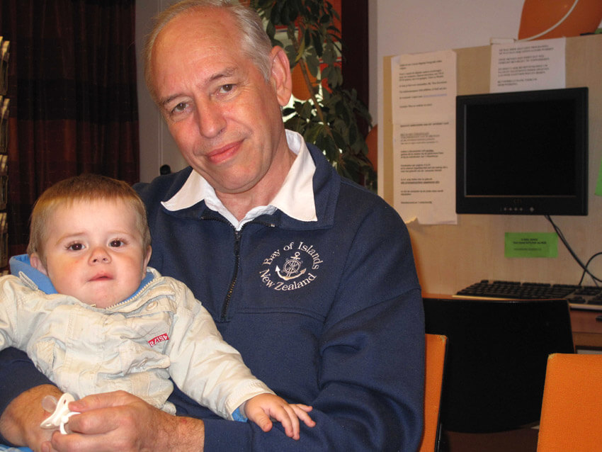 Wim Cremers en kleinzoon Matti in juni 2010 Alle rechten voorbehouden