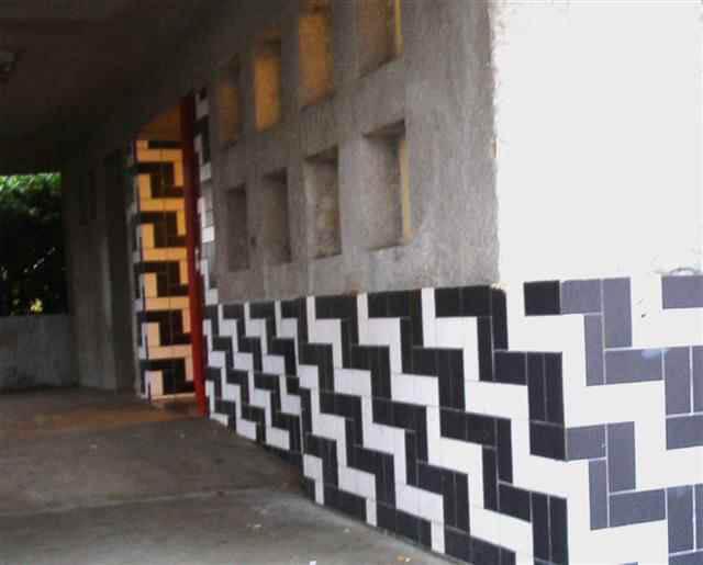 De 'opvallende tegels' van de bibliotheek aan de Brink (2004) Alle rechten voorbehouden