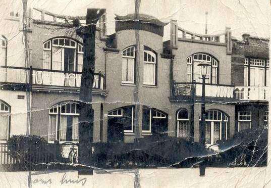 Het huis van opa en oma Frelier aan de Archimedesweg 44, met potlood aangestreept. Alle rechten voorbehouden